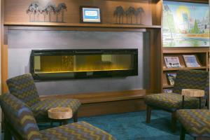 Телевизор и/или развлекательный центр в Accent Inns Victoria