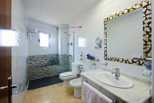 Un baño de Hotel Traíña
