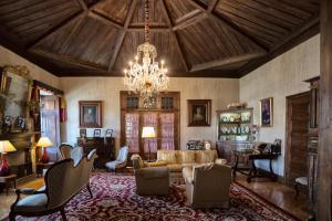 A seating area at Casa Dos Varais, Manor House