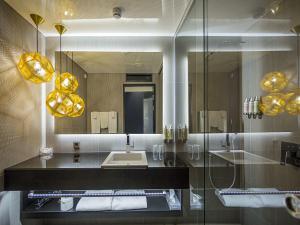 A bathroom at Hotel Klaus K