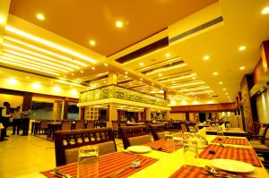 A restaurant or other place to eat at Hotel Aida