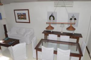 A seating area at Pousada Casa de Paraty