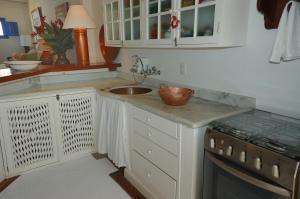 A kitchen or kitchenette at Pousada Casa de Paraty