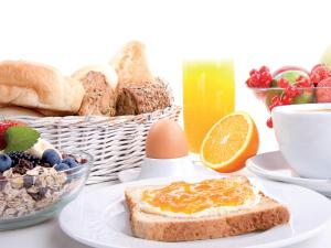 Breakfast options available to guests at Hotel Garni Angelika