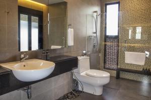 A bathroom at The Ranee Boutique Suites