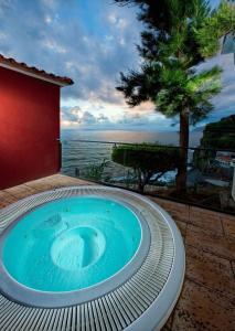 A piscina em ou perto de Estalagem Da Ponta Do Sol