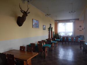 Reštaurácia alebo iné gastronomické zariadenie v ubytovaní Penzión a reštaurácia pod Hradom, Turńa nad Bodvou