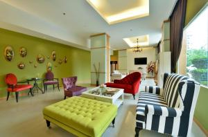 A seating area at Abloom Exclusive Serviced Apartments
