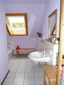 Ein Badezimmer in der Unterkunft Ferienhaus Route 5