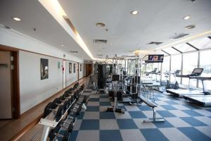 The fitness centre and/or fitness facilities at JEN Penang Georgetown by Shangri-La