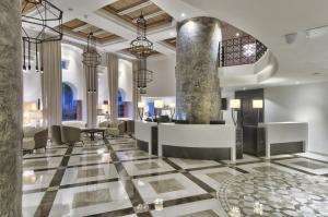 De lobby of receptie bij db San Antonio Hotel + Spa All Inclusive