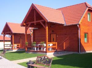 The building in which Az üdülőközpontot is located