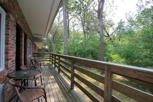 A balcony or terrace at Skaket Beach Motel