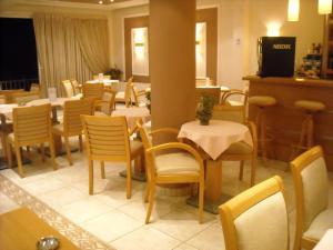 Εστιατόριο ή άλλο μέρος για φαγητό στο Iris Hotel