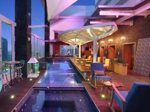 The swimming pool at or close to Mercure Jakarta Simatupang