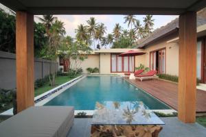 The swimming pool at or close to Bale Mandala Villas