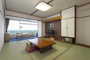 A seating area at Kamogawa Sea World Hotel