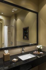 A bathroom at Opera House Hotel