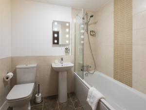 A bathroom at The Angel at Topcliffe