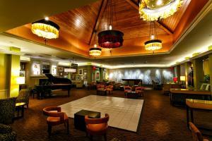 Restaurant ou autre lieu de restauration dans l'établissement Hilton Garden Inn New York/Staten Island