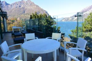 A restaurant or other place to eat at Hotel Griso Collection