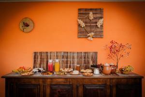 Um restaurante ou outro lugar para comer em Chalés Pedra do Baú