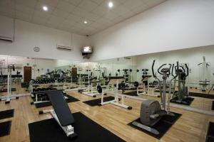 The fitness center and/or fitness facilities at Club Hotel Dolphin