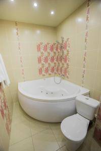 Ванная комната в Отель Лотос