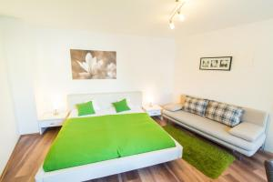 A bed or beds in a room at CheckVienna - Hernalser Hauptstraße