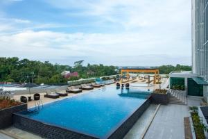 The swimming pool at or close to Citadines Uplands Kuching