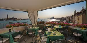 A restaurant or other place to eat at Locanda Vivaldi
