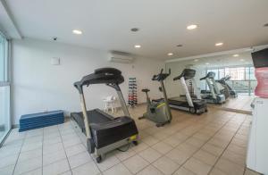 The fitness center and/or fitness facilities at Promenade Palladium Leblon