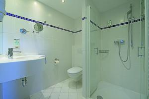 A bathroom at Baltic Hotel Lübeck