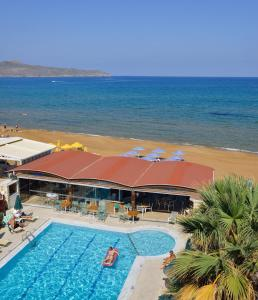 Вид на бассейн в Nektar Beach Hotel или окрестностях