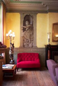 A seating area at Hotel Botticelli