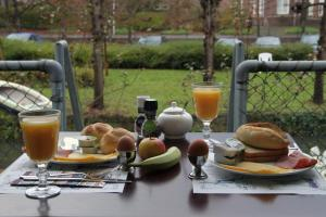 Breakfast options available to guests at Hotel Oorsprongpark
