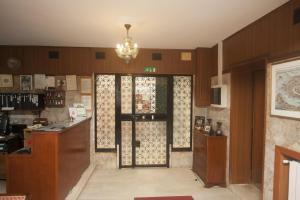 Una cocina o zona de cocina en Hotel dalla Mora