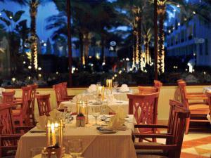 Een restaurant of ander eetgelegenheid bij Baron Palms Resort Sharm El Sheikh (Adults Only)