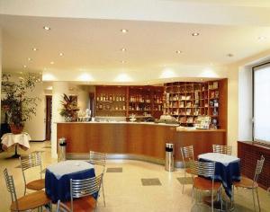 Salone o bar di Hotel La Cascata