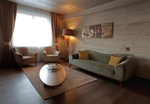 A seating area at WOW Istanbul Hotel