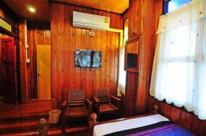 A television and/or entertainment centre at Kaloang home