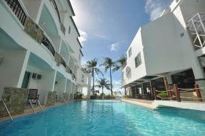 The swimming pool at or close to Boracay Ocean Club Beach Resort