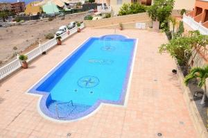 A view of the pool at Apartamentos Callaomar or nearby