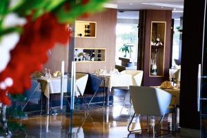 مطعم أو مكان آخر لتناول الطعام في فندق ذا بنتهاوس سويتس