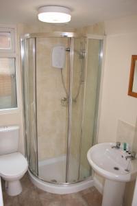 A bathroom at Twin Bays