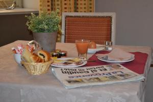 Breakfast options available to guests at Saint Ferréol