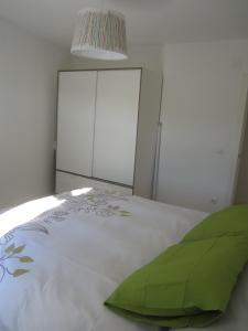 Cama o camas de una habitación en Loló Vivienda de uso Turístico 09-27