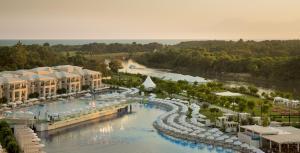 Vista de la piscina de Titanic Deluxe Golf Belek o alrededores
