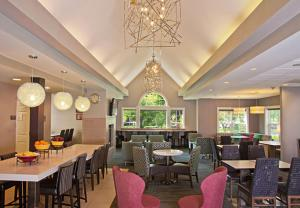 A restaurant or other place to eat at Residence Inn Eugene Springfield