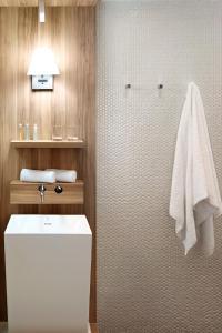 A bathroom at Happy 3